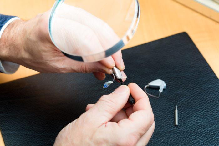 補聴器修理