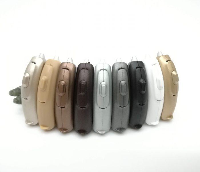 RIC補聴器とカラー見本の画像