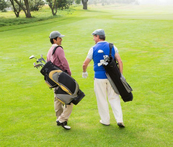 ゴルフ場での距離のある会話