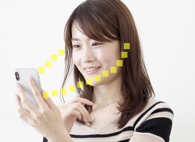 スマホから両耳の補聴器に直接音が届くイメージ